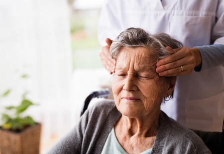 massage personne agée vannes